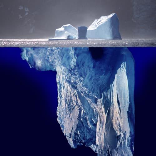 El Iceberg solo muestra una parte de quien es, su potencia se encuentra en su interior, ese es el autoconocimiento.